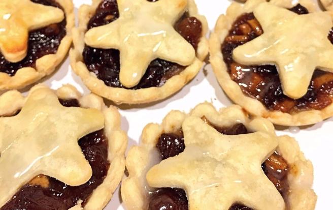 Glazed_homemade_mince_pies
